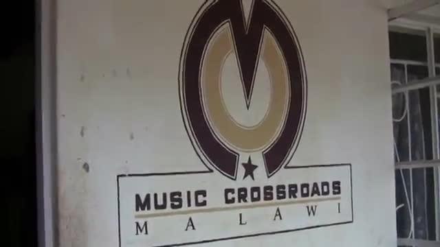 y2mate-com-petits-mc3basics-del-mc3b3n-tallers-amb-el-model-choir-malawi_jeoplsuhnhi_360p-mp4